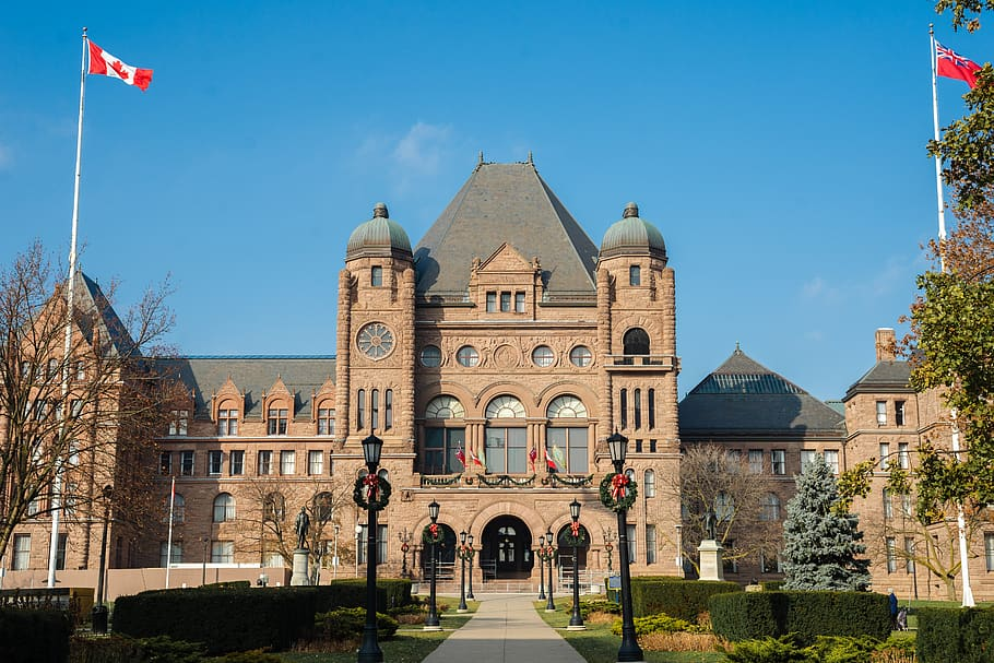 إجراءات مقاطعة أونتاريو للتعايش مع فيروس كورونا
