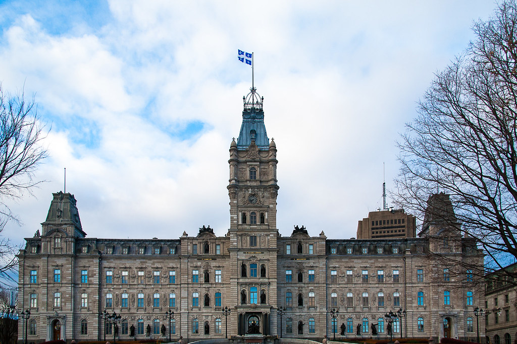 الأماكن التى ستعود إلى العمل فى مونتريال و كيبيك