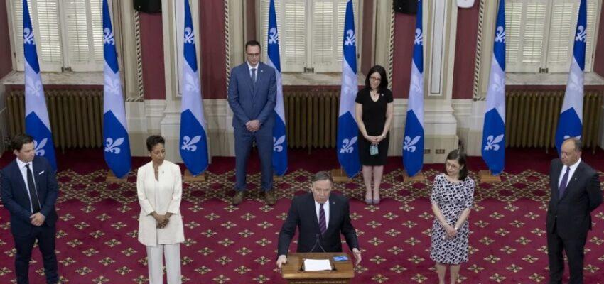 التعديل الوزاري في مقاطعة كيبيك وتغيير وزيرة الصحة  الذى أزعج المعارضين