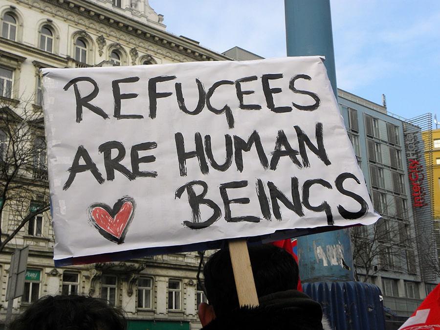 حملة الكترونية تطالب بمنح الاقامة الدائمة للاجئين فى كندا