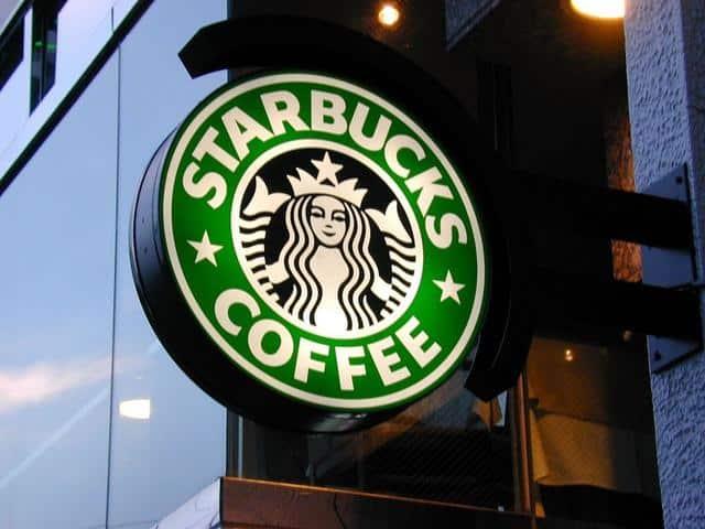 ستاربكس تغلق 200 متجر داخل كندا خلال عامين