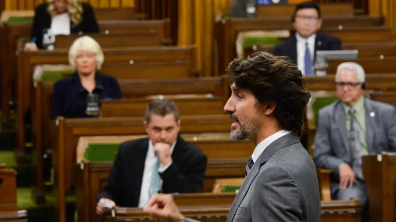 أحزاب المعارضة الكندية تطالب بتنحى رئيس الوزراء جاستن ترودو و وزير المالية بيل مونرو