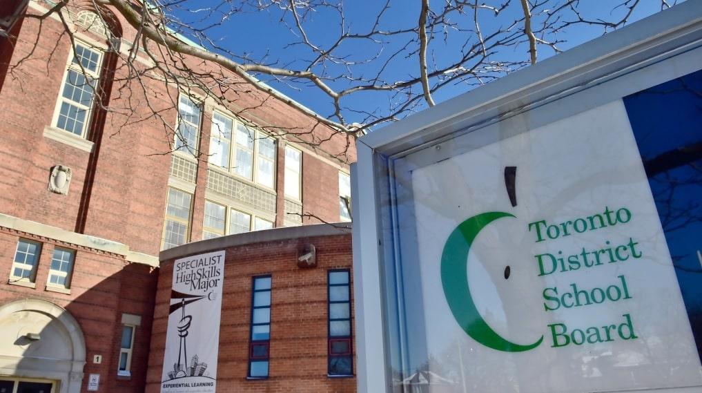 أسئلة و خطط الرجوع إلى الدراسة داخل أكبر مجلس مدرسة في أونتاريو
