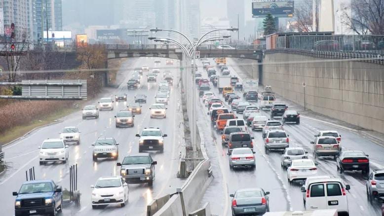 أهم قوانين و إجراءات الطرق فى كندا