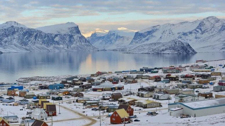 إقليم نونافوت Nunavut community of Pangnirtung