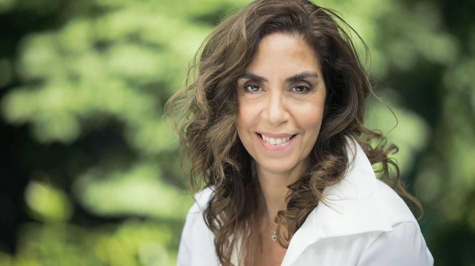 الناشطة الكندية اللبنانية لميا شارلوبوا