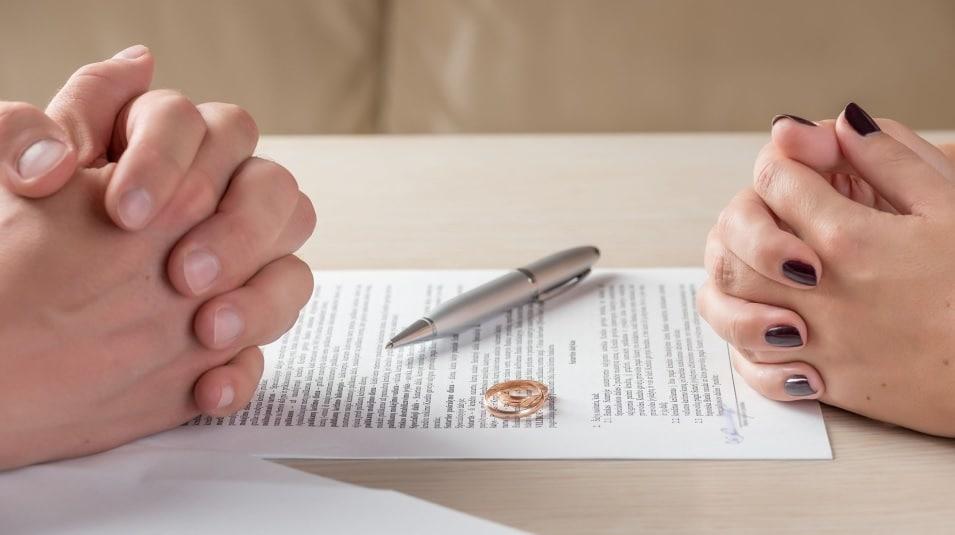 تزايد حالات الطلاق داخل كندا فى ظل أزمة كورونا