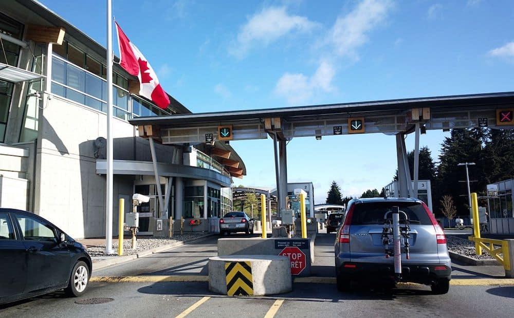 دليل قيادة السيارات فى كندا