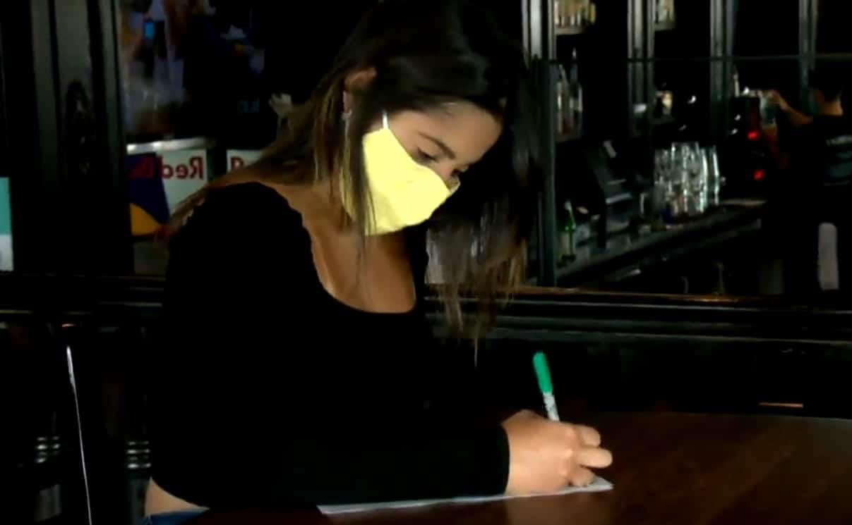 طالبة أجنبية فى كندا تتعرض لعملية إحتيال و خسرت أموالها