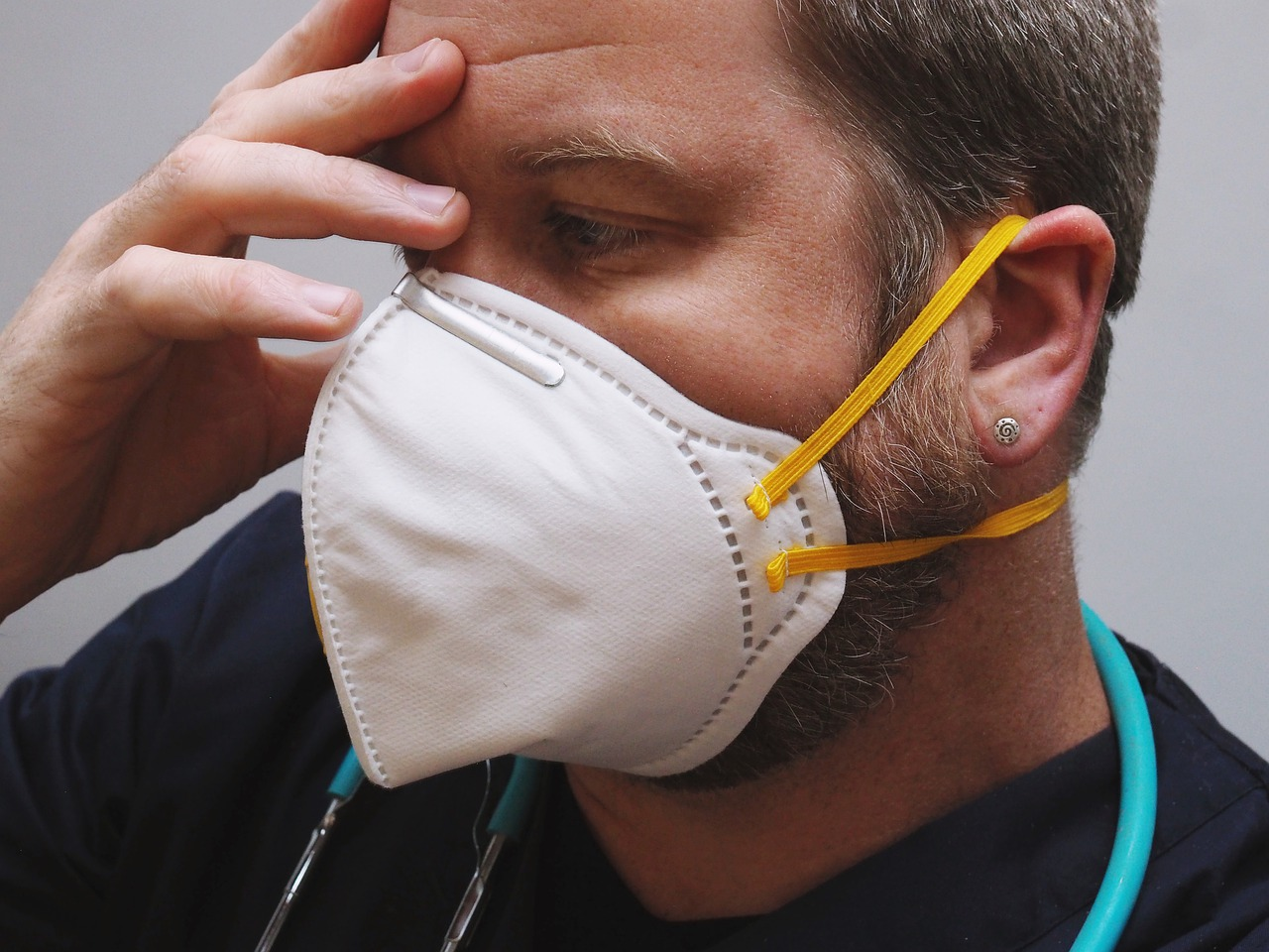 فيروس كورونا ينتشر في مستشفى داخل إدمونتون وكذلك على متن رحلات الطيران فى مونتريال