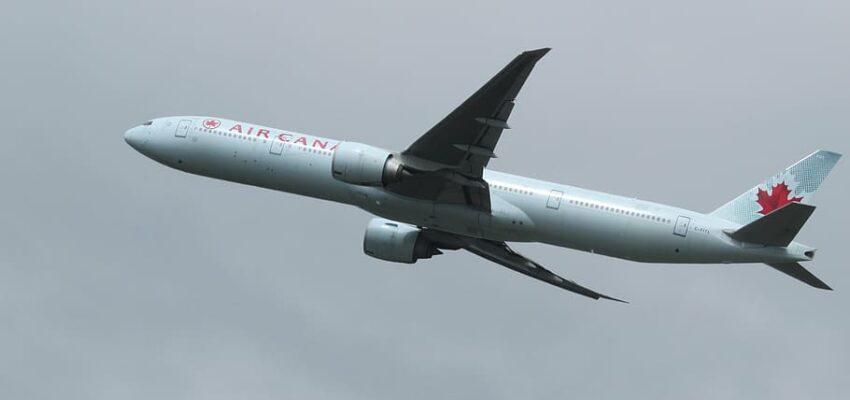 قرارات شركات الطيران في كندا بإزالة قواعد التباعد الجسدي على متن طائراتها