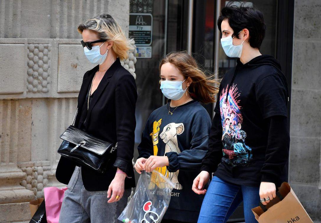 مقاطعة أوتاوا تصرح أن سبب تزايد الإصابات يعود إلى الشباب