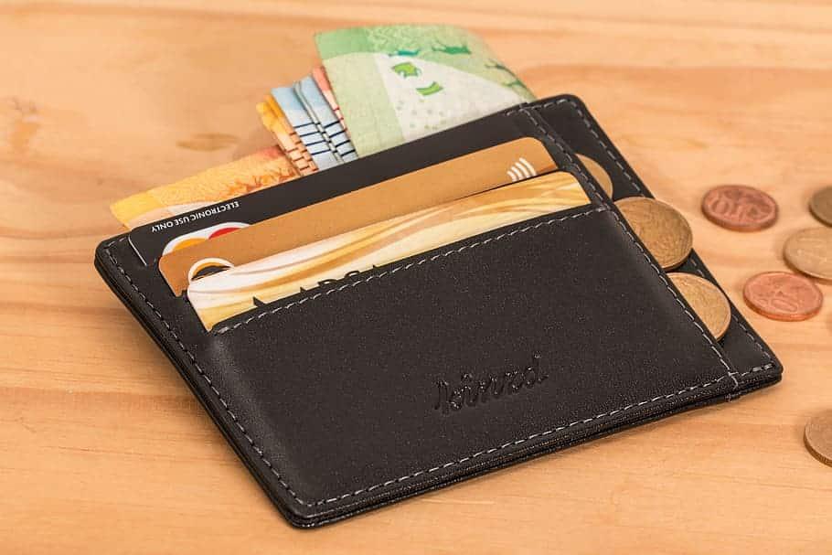 10 من الخطوات المالية التى لابد القيام بها قبل الانتقال إلى كندا