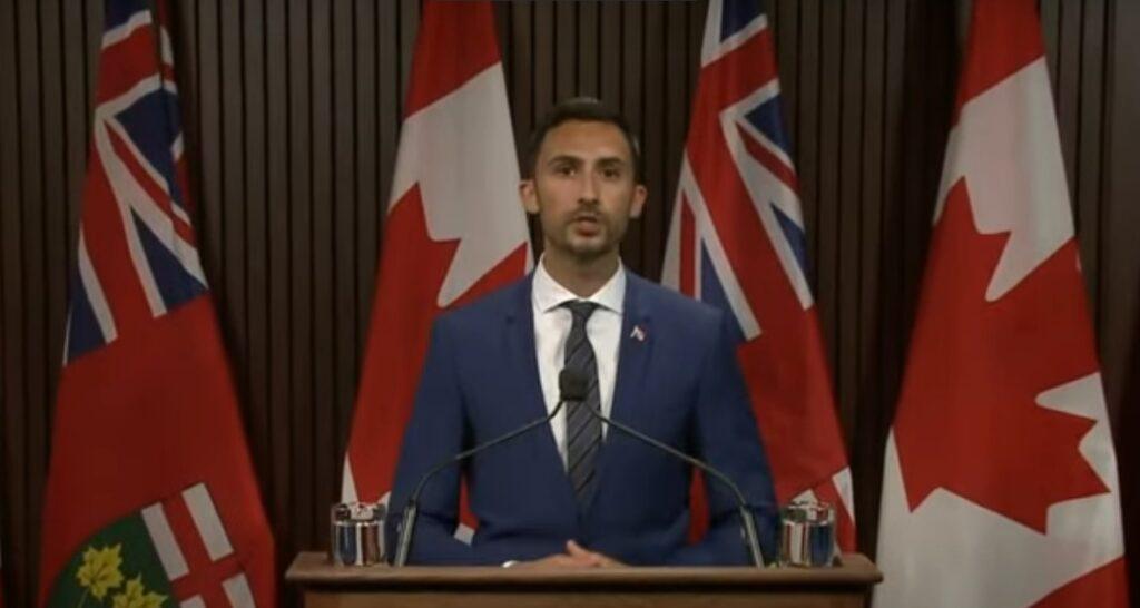 أونتاريو تمنح المدارس حق اتباع خطة تدريجية خلال أول أسبوع للدراسة