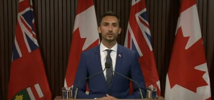 أونتاريو تمنح المدارس حق إتباع خطة تدريجية خلال أول أسبوع للدراسة