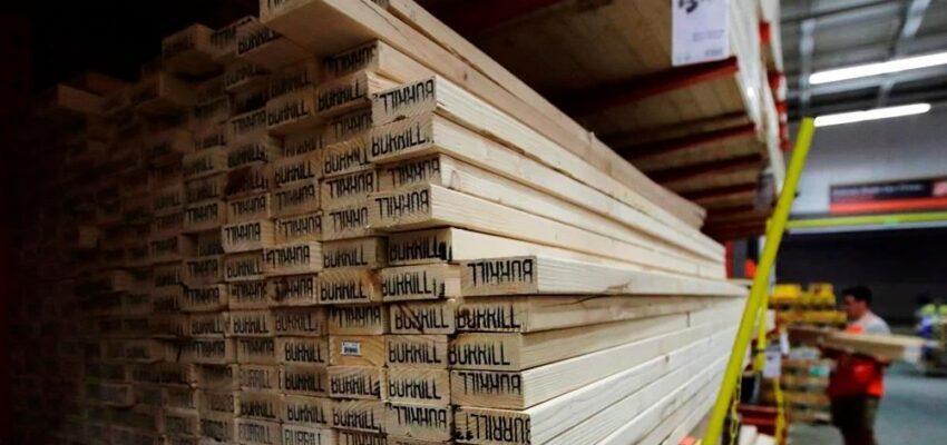 إرتفاع تكاليف البناء فى كندا بالتزامن مع زيادة أسعار الخشب