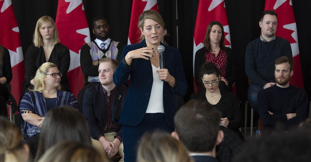 تأخر تحديث قانون اللغات الرسمية فى كندا