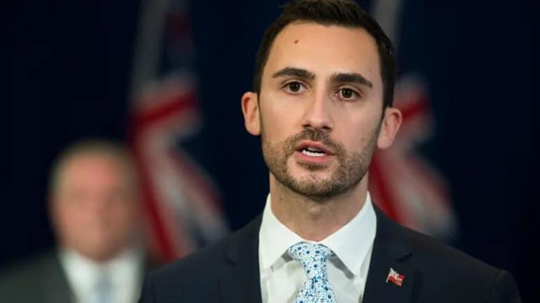 تصريحات وزير التعليم بشأن تحديث خطوة عودة الدراسة فى أونتاريو