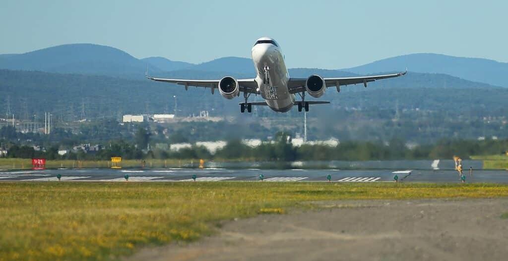 تغيير أوضاع العمل فى مجال الطيران الكندى بسبب جائحة كورونا