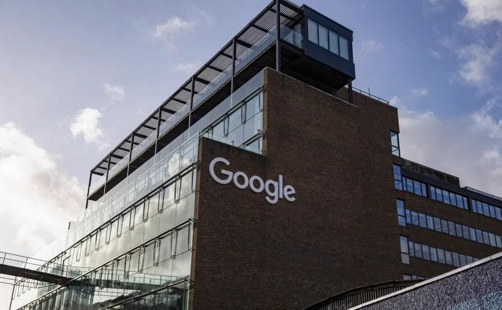 جوجل تمدد عمل الموظفين من المنزل إلى عام 2021