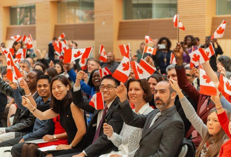 طلبات إزالة رسوم الجنسية تقدم إلى الحكومة الكندية