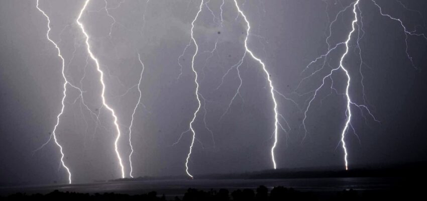 عاصفة رعدية تضرب مونتريال و تتجه نحو كيبيك