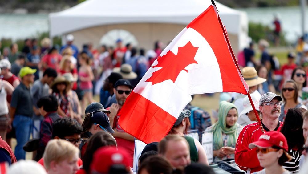 كندا تفتح أبوابها أمام عدد كبير من الوافدين منذ بداية الوباء أمام عدد كبير من الوافدين منذ بداية الوباء