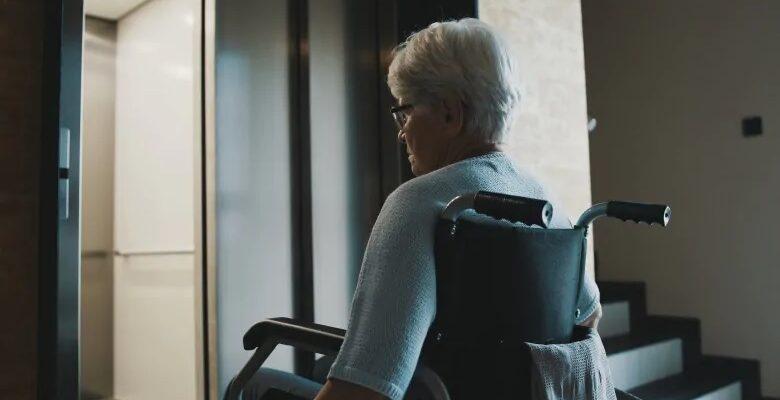 الدعم الفدرالى للكنديين ذوى الإعاقة قليل و متأخر