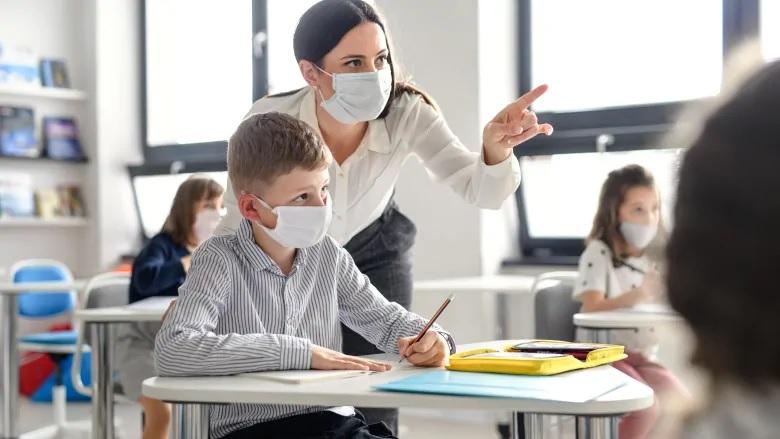 العودة إلى المدرسة تعنى العودة إلى التوتر والقلق بالنسبة للأجداد أثناء جائحة فيروس كورونا