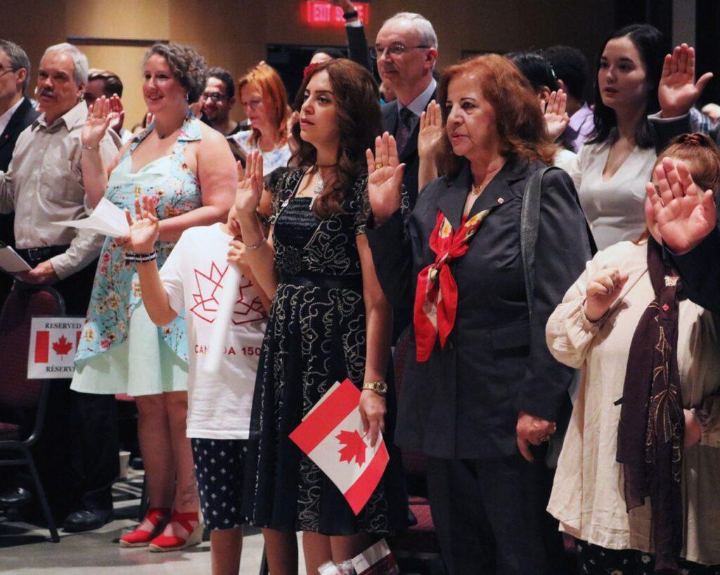 بحث إمكانية إجراء اختبار الجنسية الكندية عبر الإنترنت