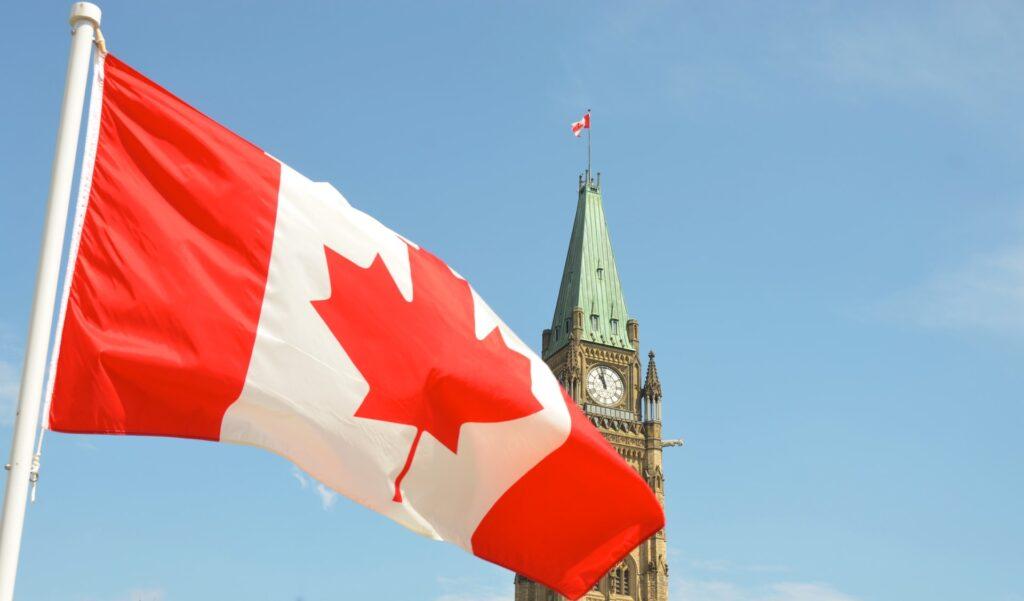 تمدد كندا قيود السفر الدولية حتى 30 سبتمبر