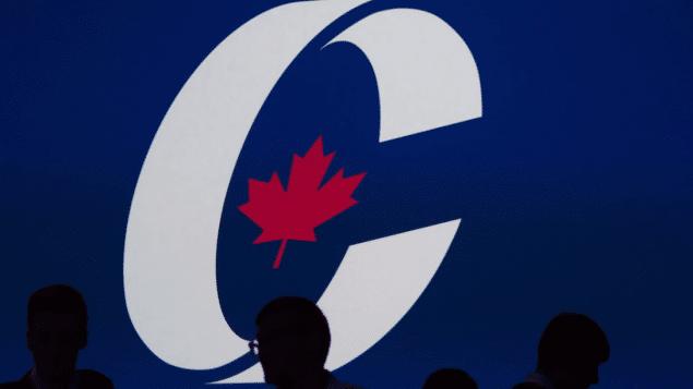 رأى الكنديين فى مواقف إرين أوتول من الإجهاض و دعمه لأنابيب النفط