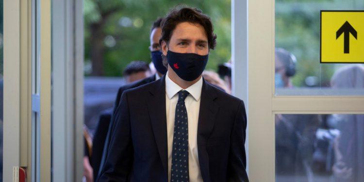 رئيس الوزراء ترودو يطلب من الكنديين البقاء متيقظين مع زيادة حالات كورونا
