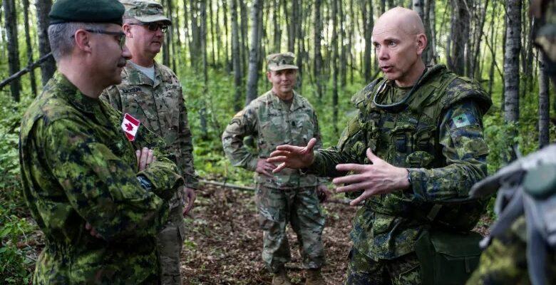 قائد الجيش الكندى يتعهد بإصدار أوامر خاصة لإقتلاع المتطرفين فى الرتب