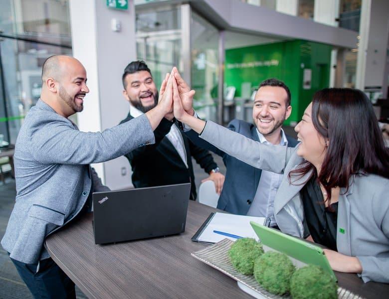 مساعدة خدمات التوظيف فى كندا المهاجرين على التكيف مع سوق العمل الكندى