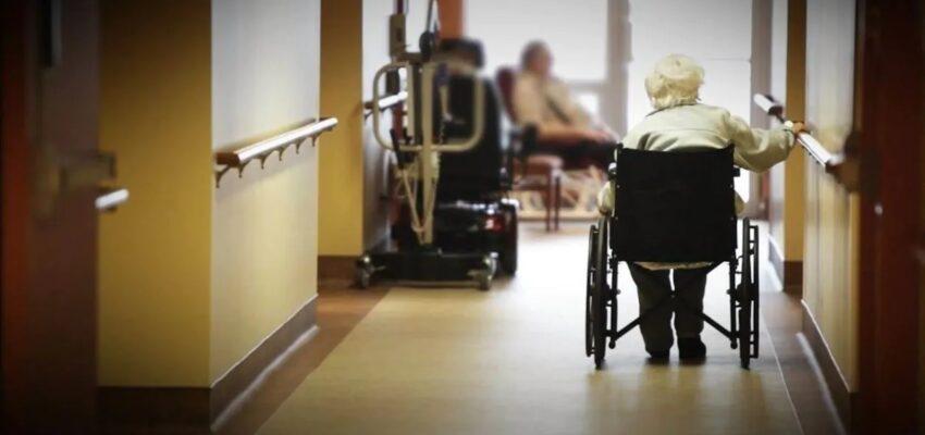 أونتاريو تقرر عزل مراكز رعاية المسنين وعدم خروج النزلاء