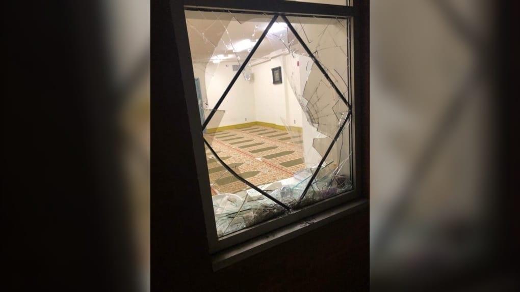 تحقيق الشرطة فى حوادث إقتحام المساجد فى مونتريال
