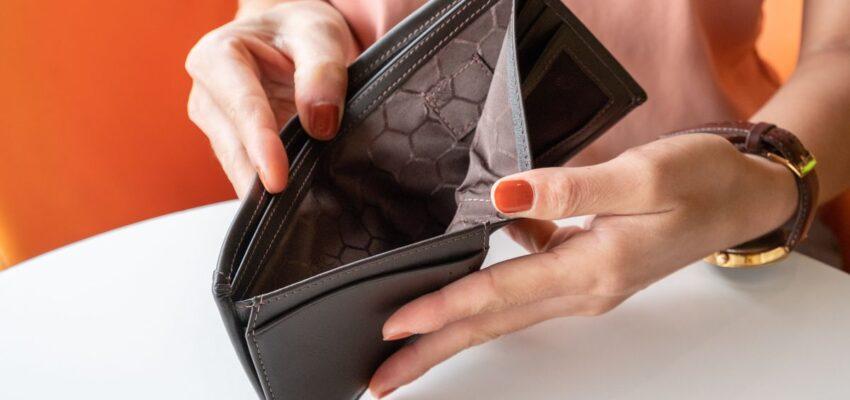 تقرير يوضح زيادة الفجوة بين الفقراء و الأغنياء فى كندا