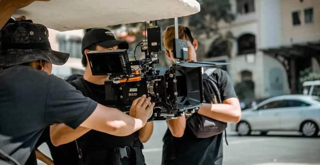 عودة الإنتاج التلفزيونى والأفلام إلى العمل فى جميع أنحاء كندا