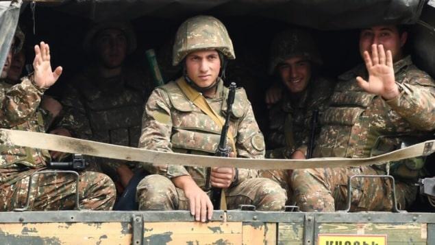 كندا تعلق تصدير المعدات العسكرية إلى تركيا