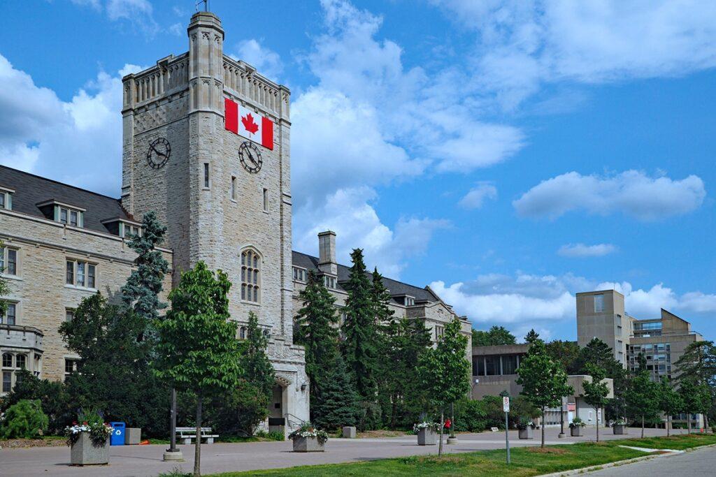 كندا تفتح حدودها للطلاب الدوليين المتجهين إلى المؤسسات الجاهزة بإجراءات كورونا