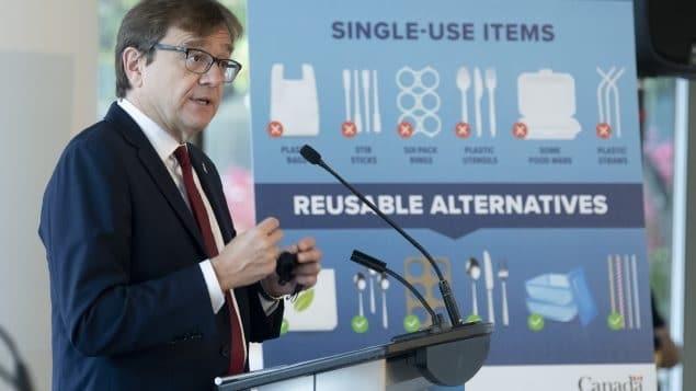 كندا تمنع البلاستيك أحادى الاستخدام بداية من العام القادم