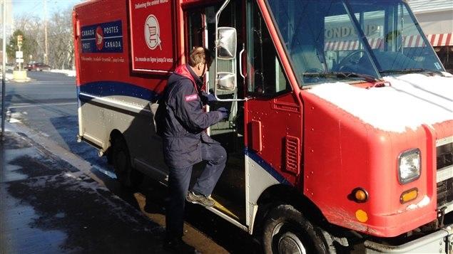 هيئة البريد الكندى تطلب شراء هدايا موسم الاعياد فى وقت مبكر لتجنب التأخير
