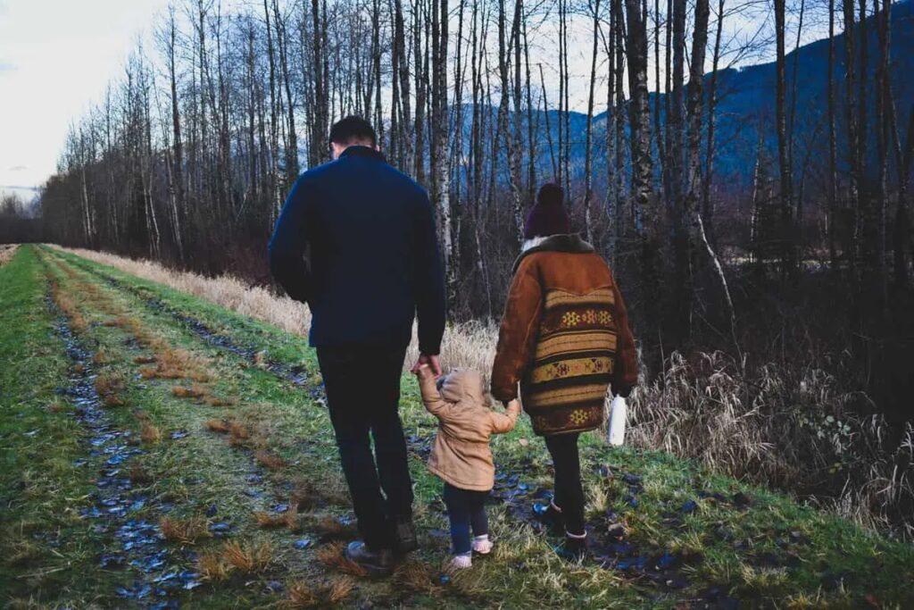 وزارة الهجرة و السلامة العامة تسمح للطلاب و الأسر بالسفر إلى كندا
