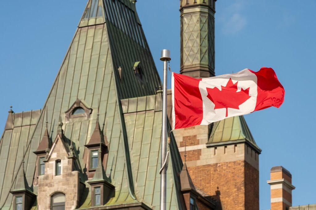 يجب أن تستمر كندا فى مسار الهجرة