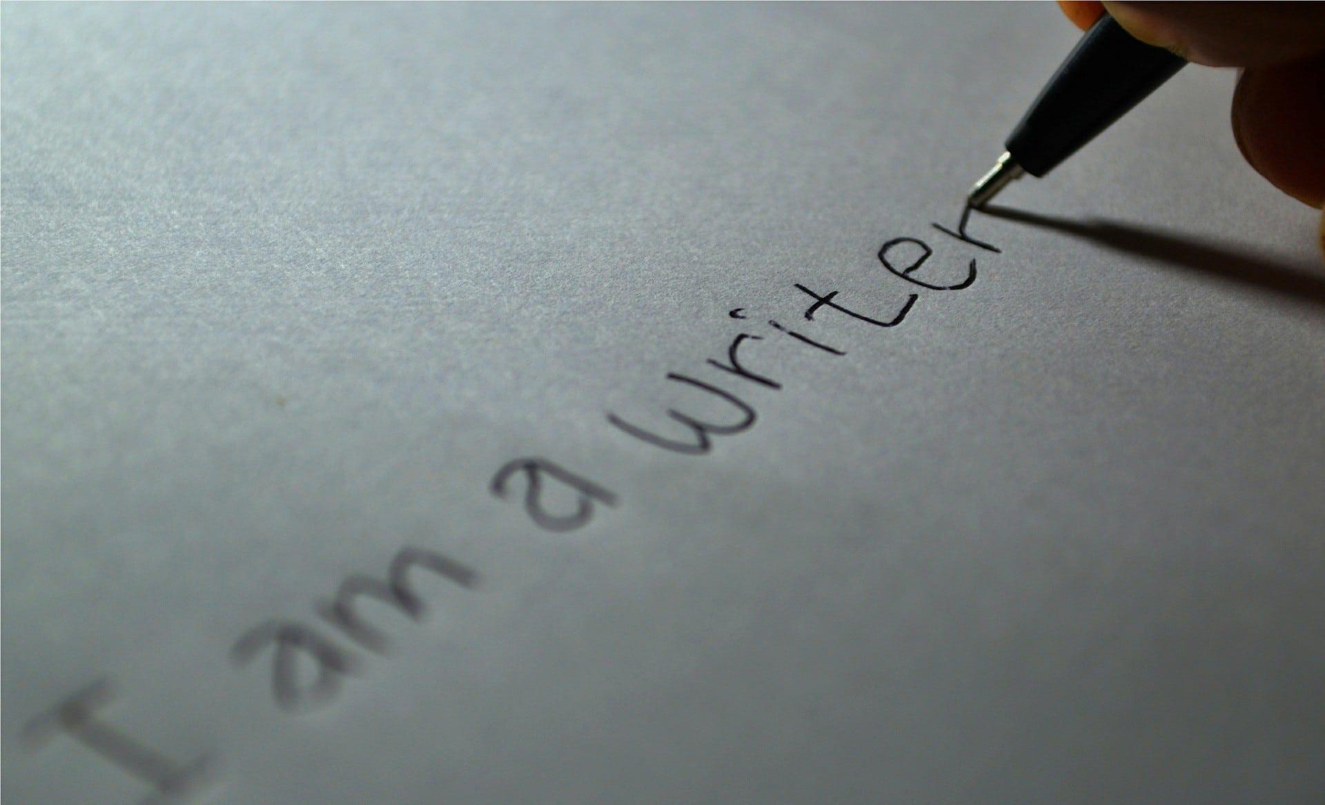 أعمال مرتبطة بالكتابة و الترجمة للعمل من المنزل فى كندا