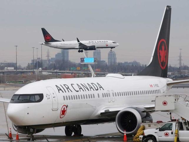 الحكومة الكندية تجعل مساعدات شركات الطيران مشروطة برد أموال الركاب