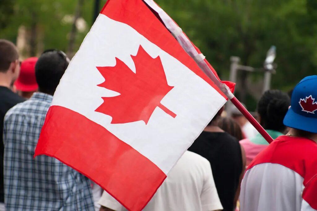 النتائج الاقتصادية طويلة المدى للاجئين فى كندا