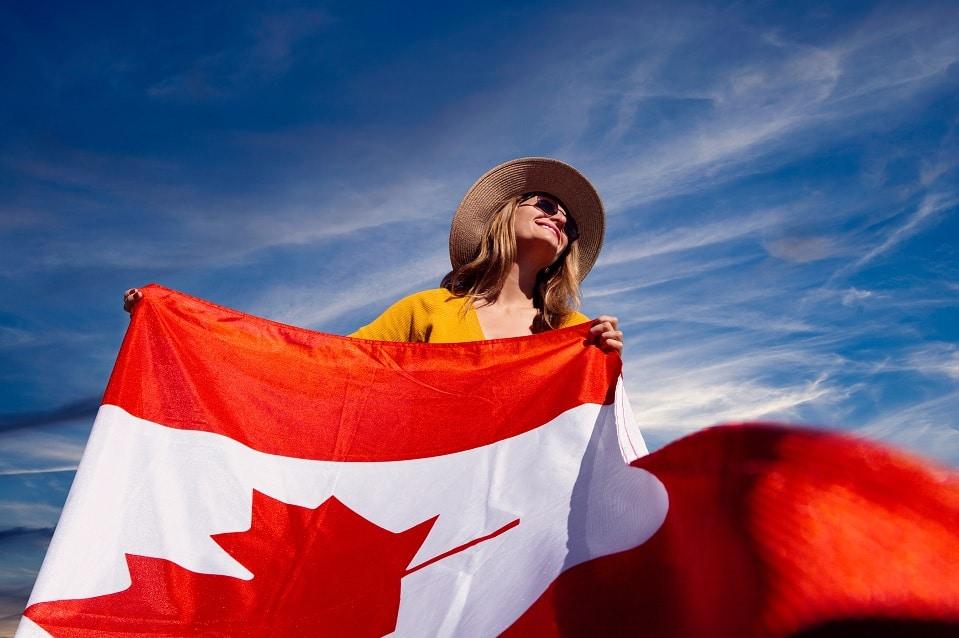 كندا تقدم المزيد من مسارات الهجرة للمقيمين المؤقتين