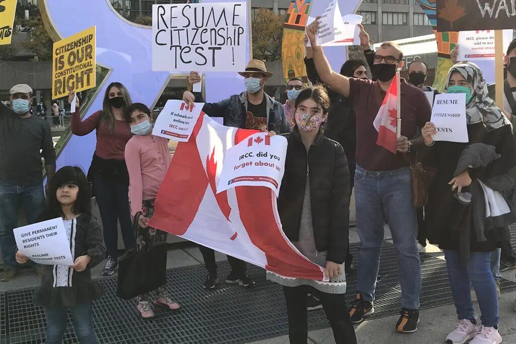 محامون الهجرة فى كندا يدعوا إلى حل تراكم طلبات الجنسية